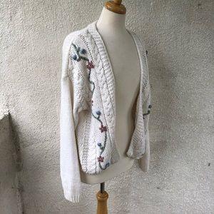 Allison Brittney VINTAGE M White Cardigan Sweater
